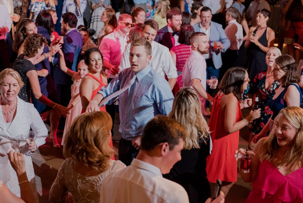 Wedding guests dancing to the music of DJ Evan Reitmeyer from MyDeeJay.